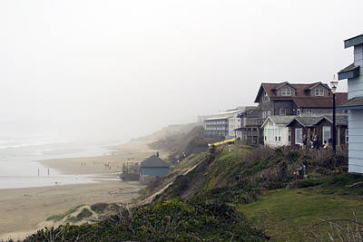 Oregon Photograph - Nye Beach Haze by Michael DeMello