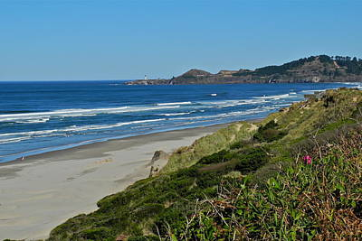 Photograph - Nye Beach In Newport Or by Kirsten Giving
