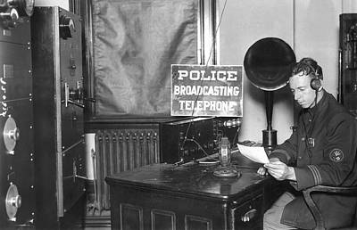 Nypd Radio Station, Wlaw Print by Underwood Archives
