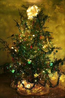 Photograph - O Christmas Tree by Shirley Sirois
