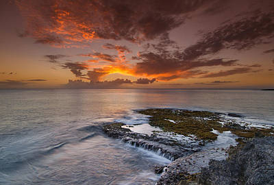 Photograph - Oahu Sunset by Tin Lung Chao