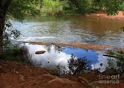 Photograph - Red Rock Crossing by Carol Groenen