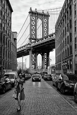 Manhattan Wall Art - Photograph - Oblivious by Robert Bolton