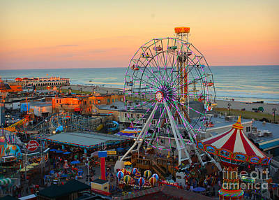 Ocean City Castaway Cove And Music Pier Art Print