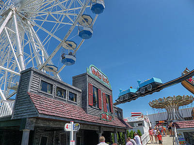 Photograph - Ocean City - Dark Ride by Richard Reeve