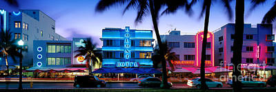 Ocean Drive Art Print by Rod McLean