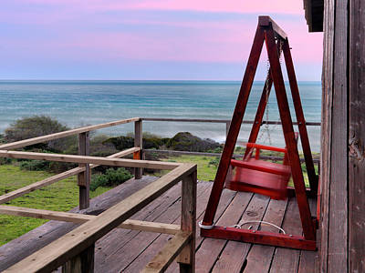 Old Cabins Photograph - Ocean View Seat by Leland D Howard