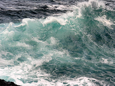 Photograph - Ocean Wave by Robert Lozen