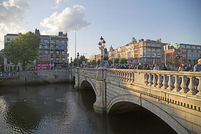 O'connell Bridge Dublin Ireland Art Print by Betsy Knapp