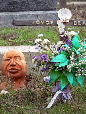 Photograph - Odd Joyce Grave by Jeff Lowe