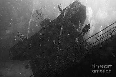 Photograph - Odyssey Wreck by JT Lewis