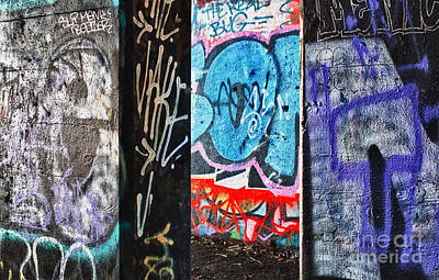 Photograph - Oh Yes - Graffiti by Terry Rowe