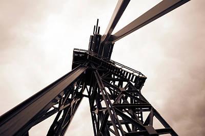 Machinery Photograph - Oil Drill by Wladimir Bulgar
