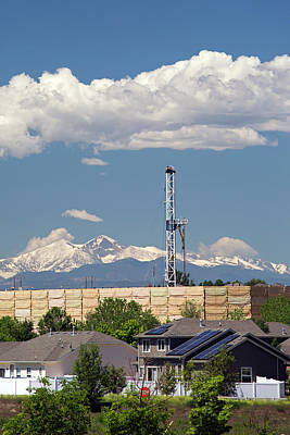 Oil Rig Photograph - Oil Drilling Rig Near Homes by Jim West