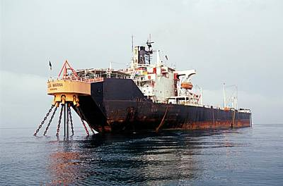 Tanker Wall Art - Photograph - Oil Storage Tanker by Chris Sattlberger/science Photo Library