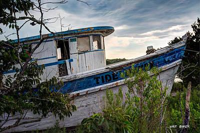 Photograph - Ol Tide Runner by Walt  Baker