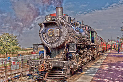 Photograph - Old 475 - Hdr by Lou Ford