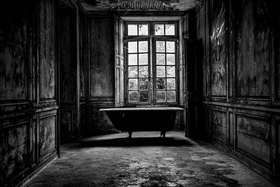 Abandon Wall Art - Photograph - Old Abandoned Farmhouse by Thomas Fischer