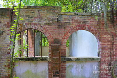 Photograph - Old Arches by Lew Davis