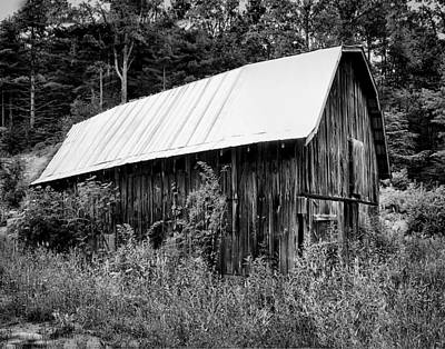 Photograph - Old Barn 03 by Gordon Engebretson