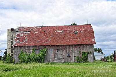 Photograph - Old Barn 2008 by David Arment