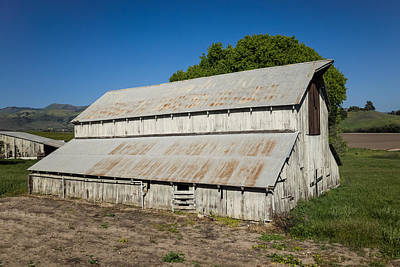 Central Coast Winery Photograph - Old Barn At Kynsi Winery by Priya Ghose