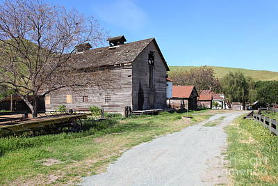 Photograph - Old Barn In Antioch California 5d22271 by Wingsdomain Art and Photography