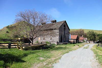 Photograph - Old Barn In Antioch California 5d22274 by Wingsdomain Art and Photography
