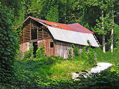 Photograph - Old Barn Near Chimney Rock by Duane McCullough
