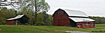 Photograph - Old Barn by Sarah E Kohara