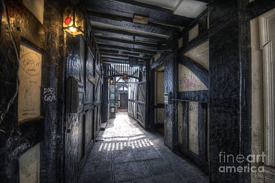 Photograph - Old Bell Alley by Yhun Suarez