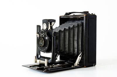 Photograph - Old Bellows Camera Glunz Model 1 by RicardMN Photography