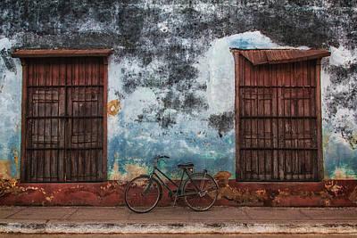 Old Bike And Grunge Wall Art Print