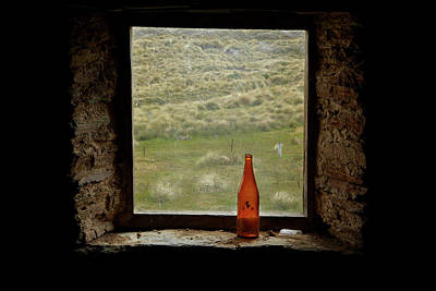 Cabin Window Photograph - Old Bottle In Window Of Potters Huts by David Wall