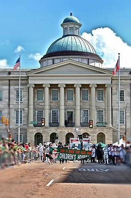 Photograph - Old Capitol On Parade Day by Jim Albritton