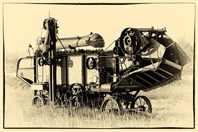 Photograph - Old Case Thresher by Bill Kesler