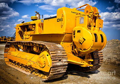 Photograph - Old Caterpillar Bulldozer by Les Palenik
