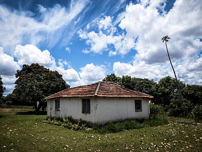 Old House Photograph - Old Country House by Raphael Campelo