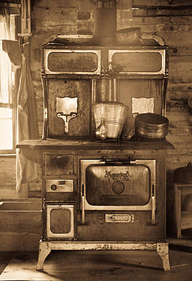 Photograph - Old Country Stove by Athena Mckinzie