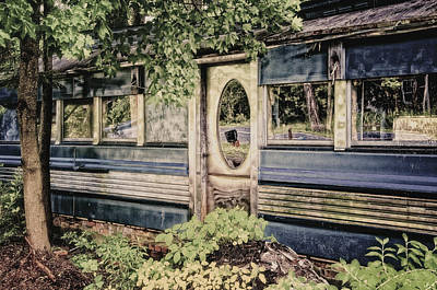 Photograph - Old Diner by Steven Mancinelli