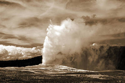 Old Faithful In Yellowstone Art Print by Yue Wang