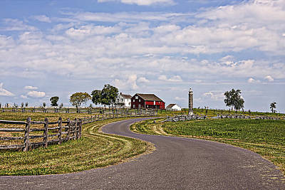 Old Farm House And Barn Gettysburg Art Print by Terry Shoemaker