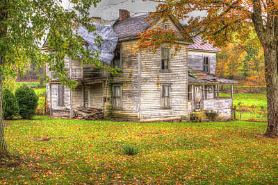 Old Farm House Art Print by Harold Rau