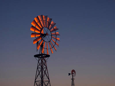 Wind Mills Photograph - Old Fashioned Wind Mill by Don Spenner