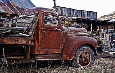 Photograph - Old Flatbed International Truck by Lee Craig
