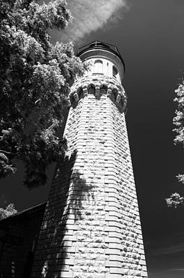 Photograph - Old Fort Niagara Lighthouse 6900 by Guy Whiteley