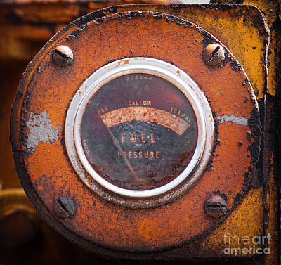 Photograph - Old Fuel Gauge by Les Palenik