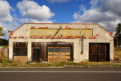Photograph - Old Garage In Chiloquin Oregon by Daniel Woodrum