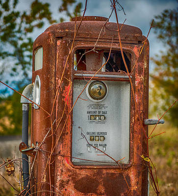 Country Scene Photograph - Old Gas Pump by Paul Freidlund