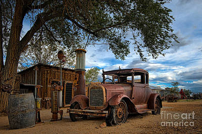 Photograph - Old Gas Station by Peter Dang
